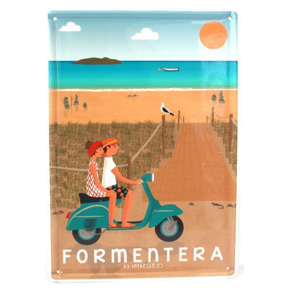 Souvenir de Formentera, placa decorativa vintage de la playa de Illetes & vespa