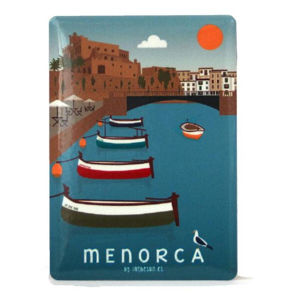 Souvenir de Menorca, imán metálico del port de Ciutadella